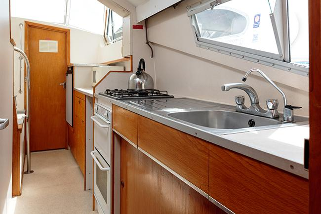 Royall Solitaire - galley