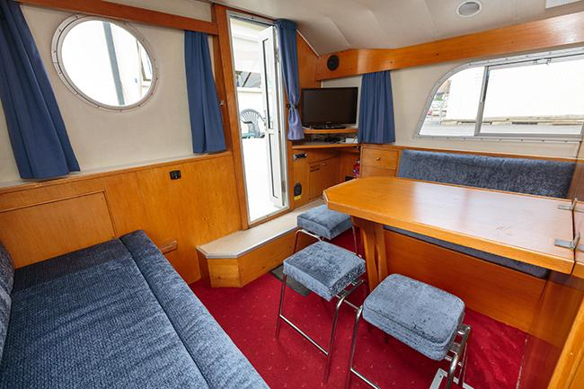 Royall Solitaire - saloon