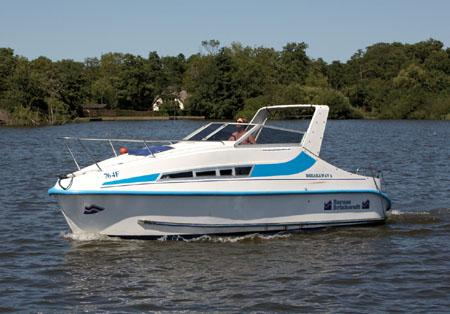 Norfolk Broads Houseboat rentals and Yacht Charter UK - Totaltravel