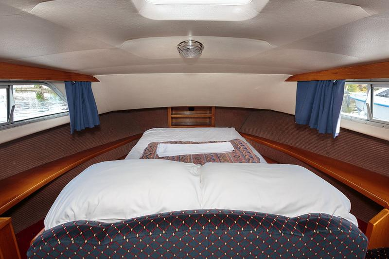 Royall Stuart - Forward cabin, double berth