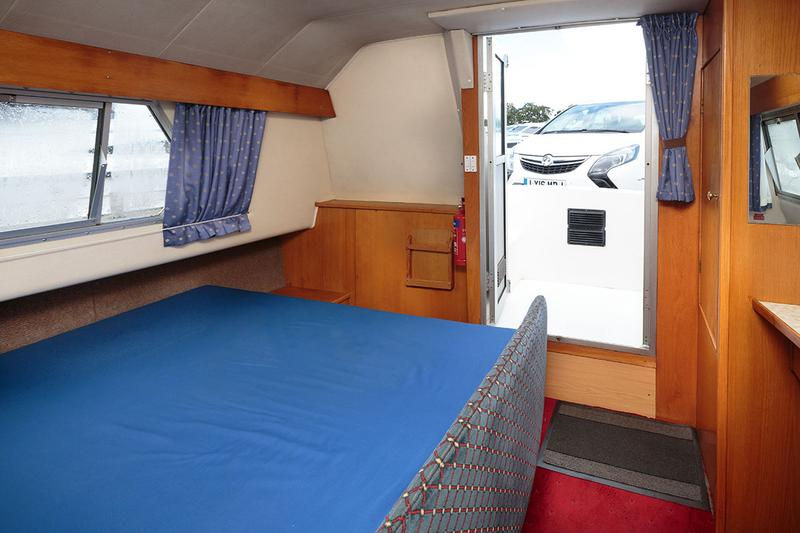 Royall Velvet 2 - Aft cabin, with 'walkaround' double berth