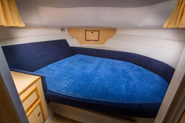 Brinks Duet - double berth, front cabin
