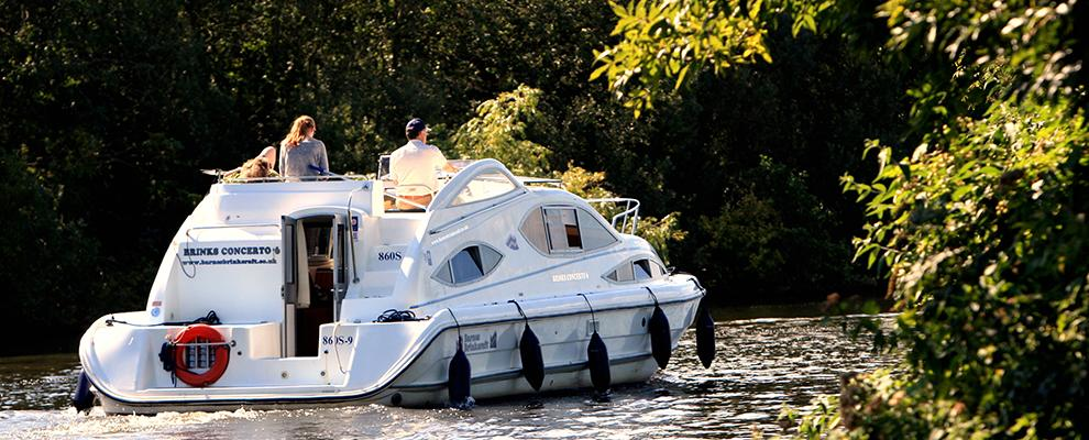 Set your own pace, holidays on the Norfolk Broads