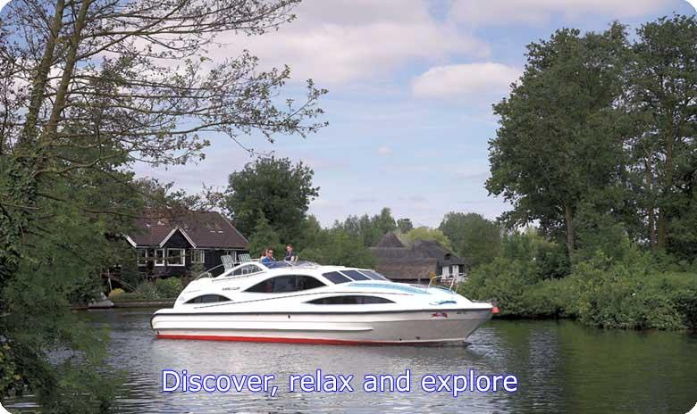 Discover, relax and explore the Norfolk Broads with Barnes Brinkcraft