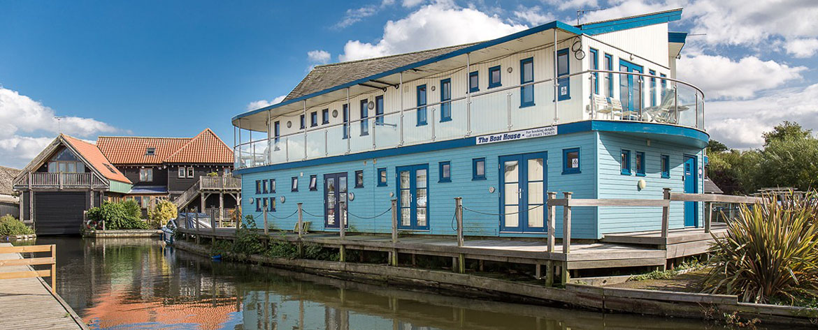 The Boathouse, riverside self catering apartments