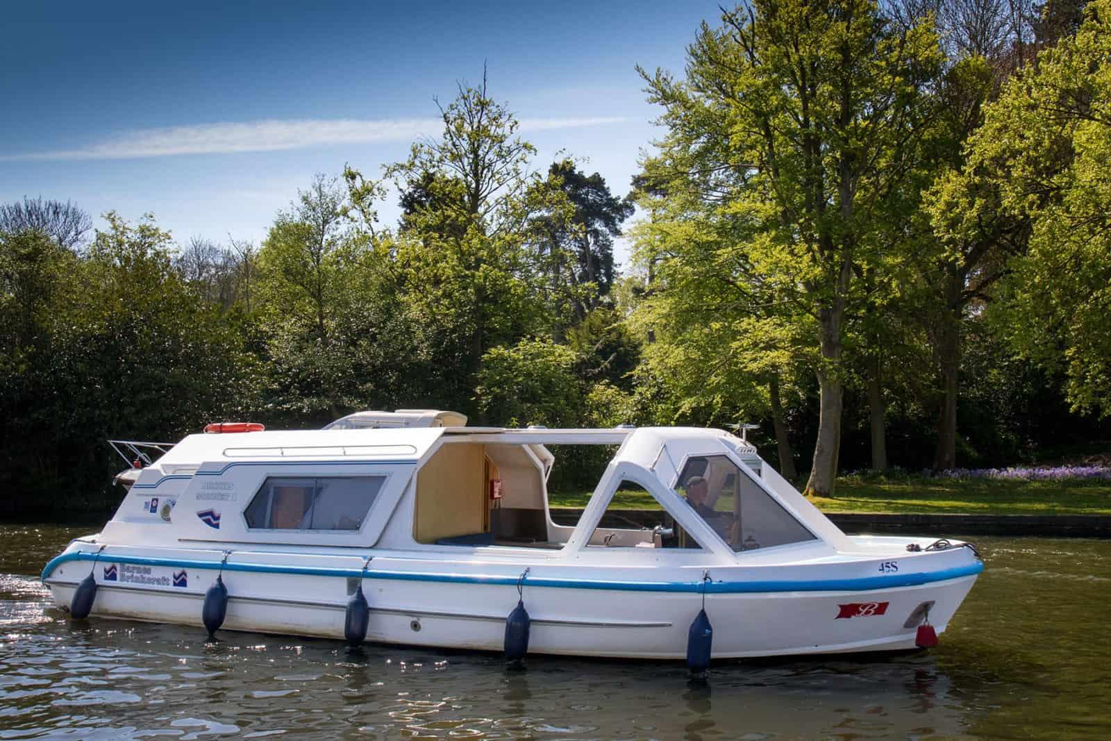 Sonnet 2 Berth Norfolk Broads Cruiser for hire